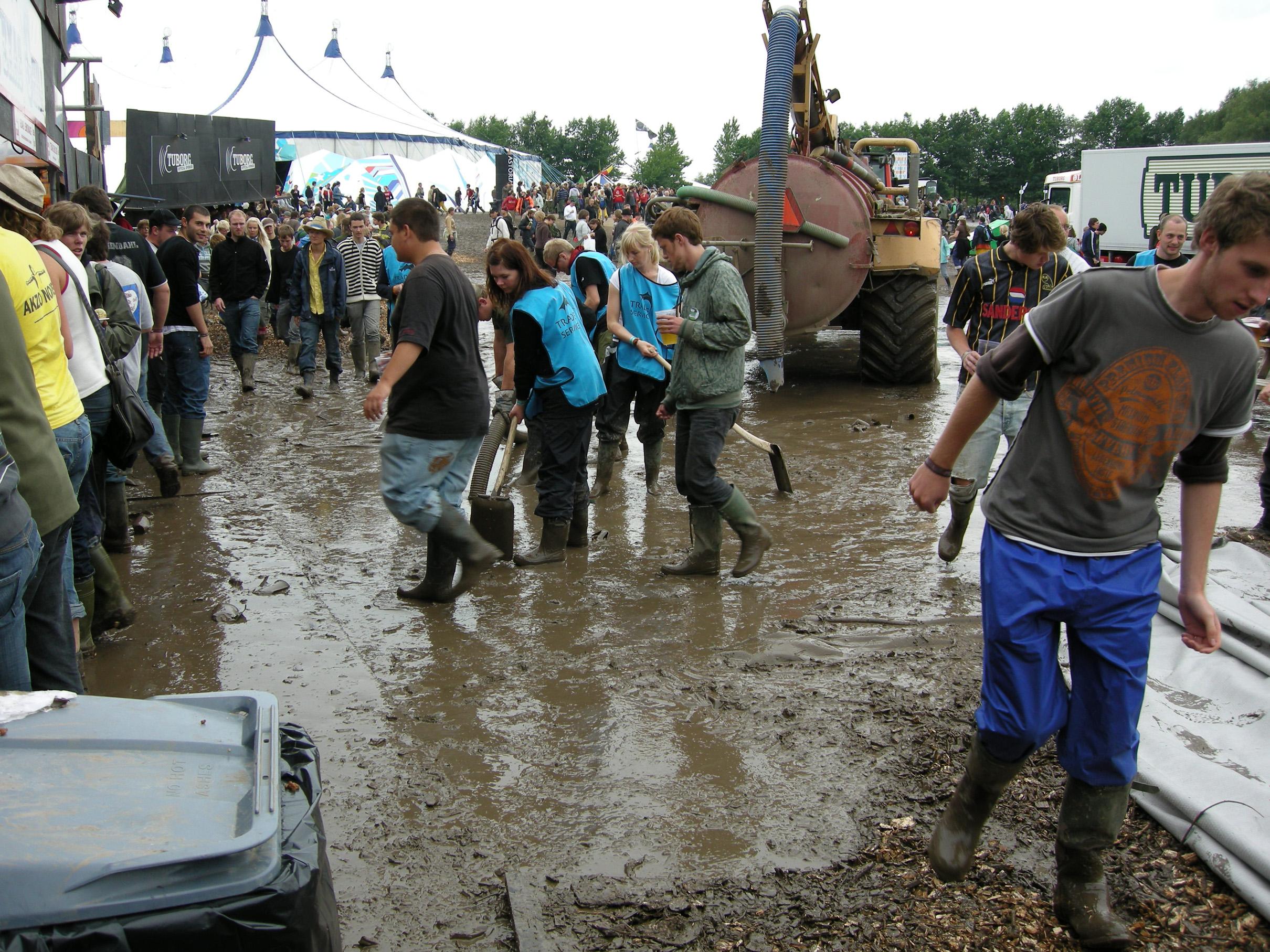 Roskilde-festivalurin 2006 kundi verið fyriboðan um vátari veðurlag.