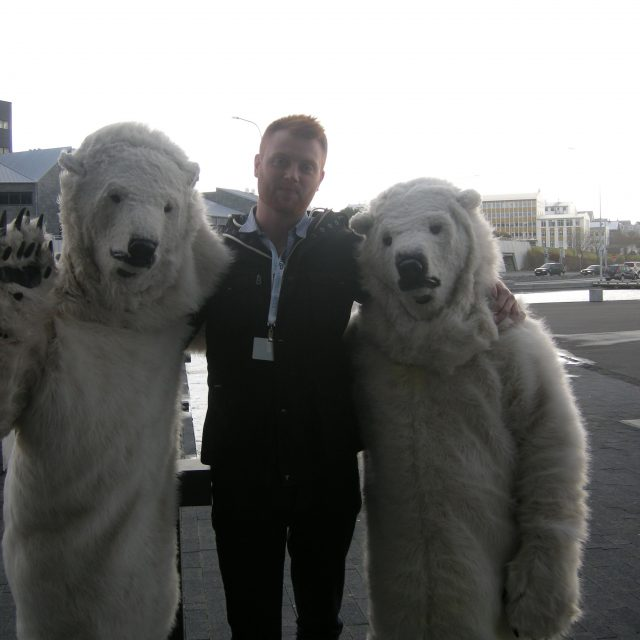 Ísbjørnirnar mótmæla!